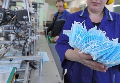 За сутки в Калужской области выпускается пятнадцать тысяч медицинских масок